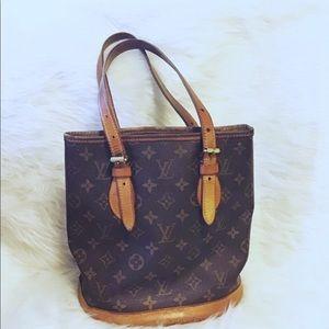 LOUIS VUITTON | Monogram Bucket Bag PM